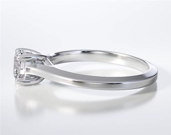 SOLITAIRE RING ENG093